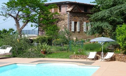 location de vacances type chambres d hotes et gite avec piscine var côte d'azur