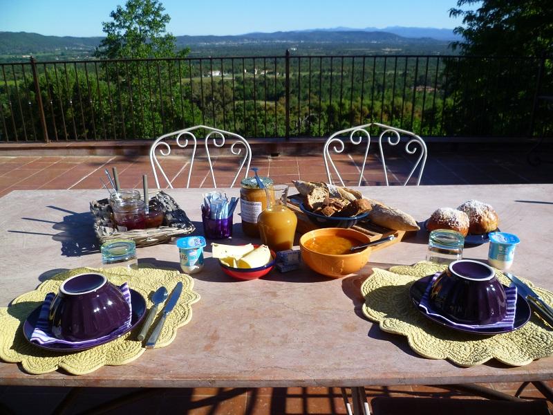 Petit déjeuner La Maison de Nathalie Chambre d'hotes var provence cote d'azur